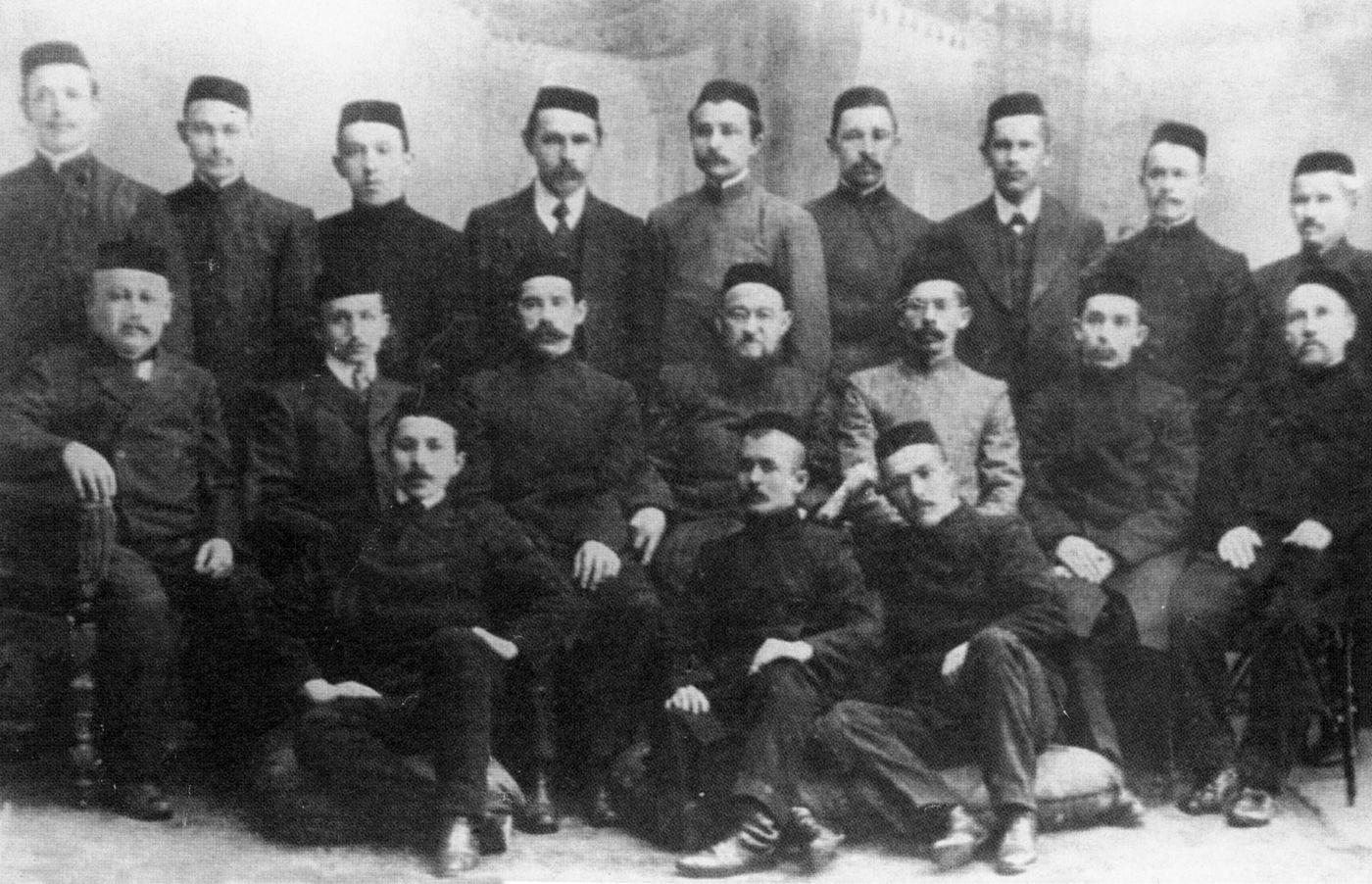 Преподаватели медресе «Хусаиния». 1913